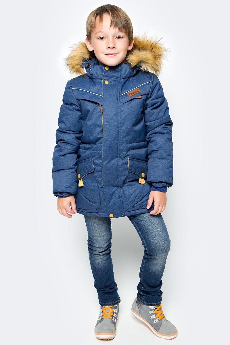 Куртка для мальчика Oldos Жан, цвет: темно-синий. 1O7JK00. Размер 152, 12 лет1O7JK00Куртка для мальчика Oldos Жан идеально подойдет для вашего ребенка в холодное время года. Модель изготовлена из водонепроницаемой и ветрозащитной ткани. Водо- и грязеотталкивающее покрытие Teflon повышает износостойкость изделия, что обеспечит ей хороший внешний вид на всем протяжении носки. Благодаря пропитке грязь не проникает в ткань, и ее легко смыть под струей воды или стереть влажной салфеткой. Куртка рассчитана на температуру от 0°С до -35°С. Современный утеплитель - искусственный лебяжий пух: легкий, как натуральный, отлично сохраняет тепло, не впитывает влагу, сохраняет и быстро восстанавливает объем, гипоаллергенен.Куртка с капюшоном и небольшим воротником-стойкой застегивается на застежку-молнию и дополнительно имеет двойную ветрозащитную планку с защитой подбородка. Подкладка курточки (кроме рукавов) выполнена из теплого мягкого флиса. Капюшон, присборенный по бокам на резинки, пристегивается с помощью застежки-молнии и застежек-кнопок. Меховая опушка отстегивается. Внутренние саморегулирующиеся трикотажные манжеты надежно защитят от непогоды. С внутренней стороны куртки предусмотрена регулируемая утяжка по талии. Спереди модель дополнена двумя накладными карманами, закрывающимися клапанами на кнопках, и двумя прорезными карманами на молнии. Внутри находится имеется нашивка для заполнения данных владельца.Светоотражающие элементы не оставят вашего ребенка незамеченным в темное время суток. Теплая, комфортная и практичная куртка идеально подойдет для прогулок и игр на свежем воздухе!
