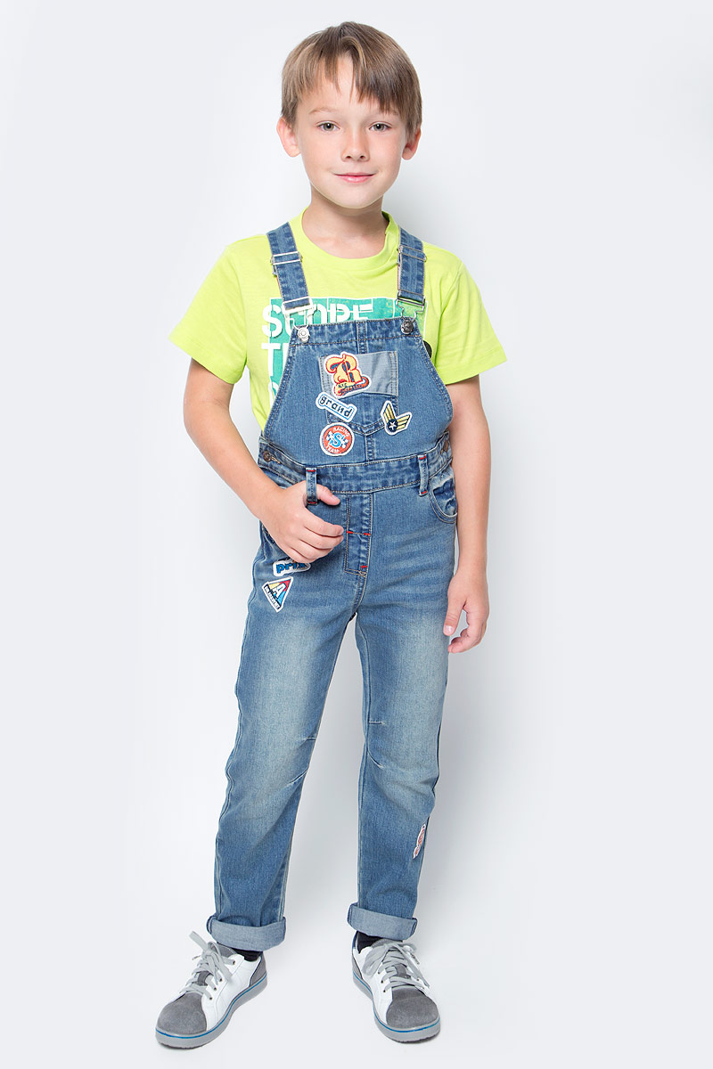 Полукомбинезон для мальчика PlayToday, цвет: синий, желтый. 371065. Размер 104371065Полукомбинезон PlayToday из плотной джинсовой ткани - отличное решение и для повседневного гардероба. Модель на регулируемых лямках с пуговицами. Пояс дополнен шлевками, при необходимости можно использовать ремень. В качестве декора использована аппликация и контрастные швы. Полукомбинезон с втачными и накладными карманами.