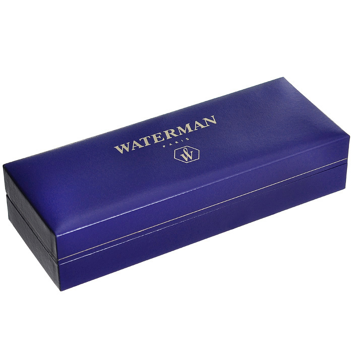 Ручка Waterman Perspective Blue CT с открытым пером, состоит из корпуса, картриджа для чернил и металлического раздвоенного пера. Корпус ручки выполнен из латуни с многослойным лаковым покрытием синего цвета. Отдельные элементы дизайна имеют никеле-палладиевое покрытие.  Перо из нержавеющей стали декорировано гравировкой и логотипом Waterman.  Ручка имеет картриджную систему заправки, она оснащена унифицированным посадочным местом на верхней части фидера, куда устанавливается стандартный картридж с чернилами (входит в комплект). Картридж запаян полиэтиленовой крышкой.  Ручка упакована в фирменный футляр с логотипом компании Waterman. В футляре предусмотрено дополнительное отделение, в котором расположен международный гарантийный талон и картридж с чернилами.  Эксклюзивная перьевая ручка Waterman Perspective Blue CT подчеркнет стиль и элегантность ее владельца и станет превосходным подарком ценителю изящества роскоши.  Ручка - это не просто пишущий инструмент, это - часть имиджа, наглядно демонстрирующая статус, характер и образ жизни ее владельца.   Характеристики: Материал корпуса: латунь. Покрытие: лак. Цвет корпуса: синий. Отделка: никеле-палладиевое покрытие. Материал пера: нержавеющая сталь. Длина ручки без колпачка: 12,1 см. Длина ручки с колпачком: 13,9 см. Диаметр ручки: 1,2 см. Объем картриджа: 1,7 мл. Длина картриджа: 7,5 см. Максимальный диаметр картриджа: 0,7 см. Посадочные диаметры картриджа (наружный/внутренний): 0,55/0,35 см. Линия письма: тонкая (F). Цвет чернил: синий. Размер футляра: 17,5 см x 6,5 см x 3,5 см. Гарантия производителя: 3 года. Производитель: Франция. Артикул: S0830940. Создавая свою марку, основатели Waterman соединили вековые традиции и новаторский подход в технологии производства, классику и современность в дизайне. Соединяя и переплетая противоположности, Waterman удивительным образом превращает их в гармоничные стильные сочетания. Так появляются элегантные, поражающие разнообразием и изысканностью стилей ручки Waterman.Классическ