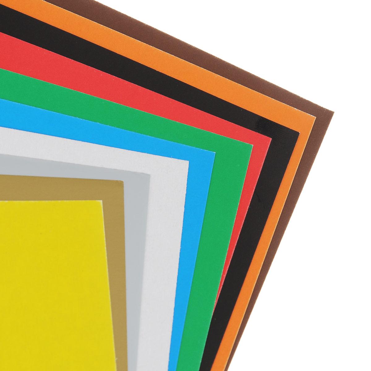 Набор цветного картона Action!: Fruit Ninja позволит создавать всевозможные аппликации и поделки. Набор включает 20 листов одностороннего цветного картона формата А4. Цвета: желтый, красный, золотистый, серебристый, синий, коричневый, белый, оранжевый, зеленый, черный.  Создание поделок из цветного картона позволяет ребенку развивать творческие способности, кроме того, это увлекательный досуг. Набор упакован в картонную папку с изображением Fruit Ninja.  УВАЖАЕМЫЕ КЛИЕНТЫ!   Обращаем ваше внимание на возможные изменения в дизайне, связанные с ассортиментом продукции: обложки альбомов могут отличаться от представленных на изображениях. Поставка осуществляется в зависимости от наличия на складе.