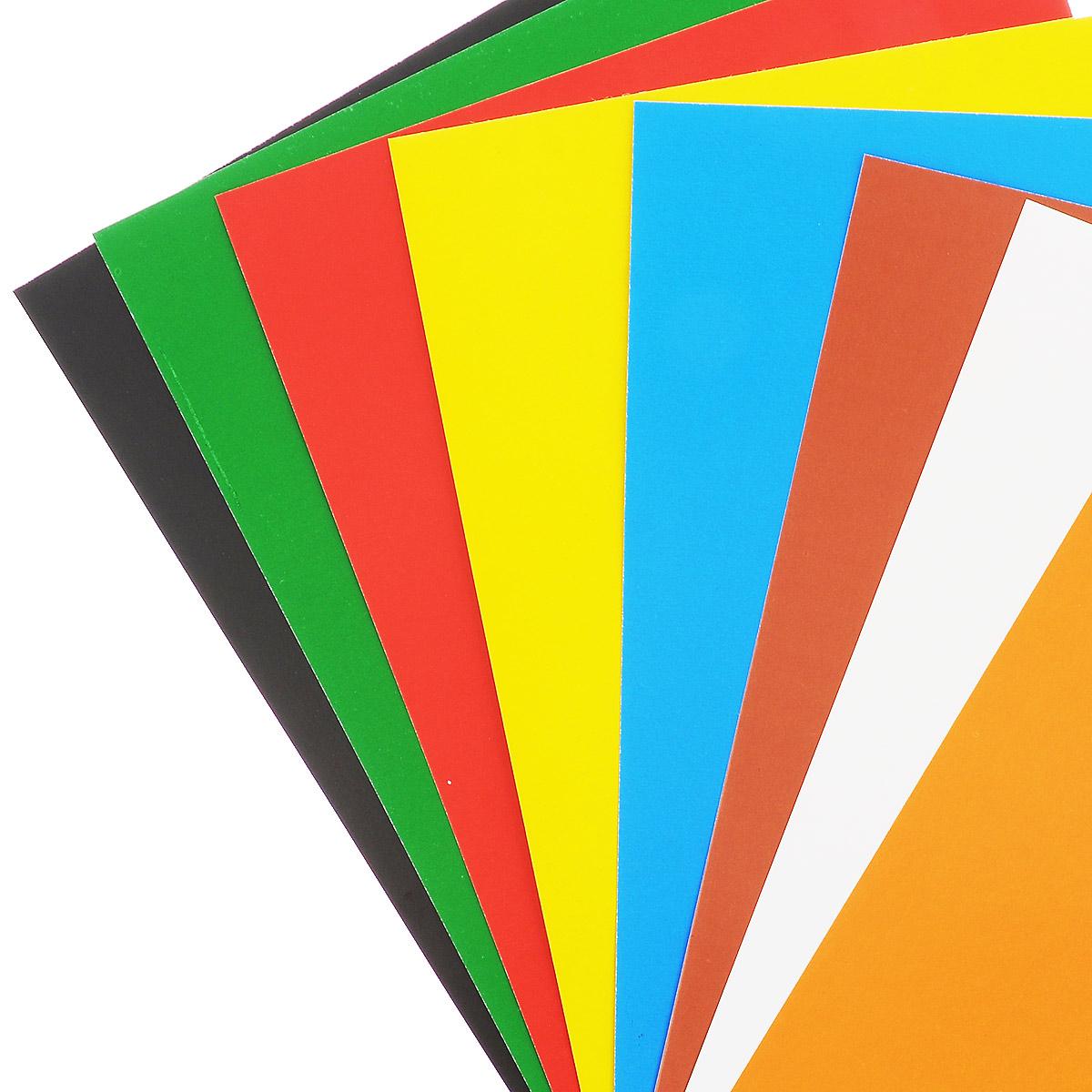Набор цветного картона Action Алиса позволит создавать всевозможные аппликации и поделки. Набор состоит из 16 листов формата А4 одностороннего цветного картона 8 цветов: желтого, оранжевого, белого, коричневого, синего, красного, зеленого и черного. Создание поделок из цветного картона позволяет ребенку развивать творческие способности, кроме того, это увлекательный досуг. Набор упакован в 2 картонные папки, оформленные изображениями героев мультфильма Алиса знает, что делает.