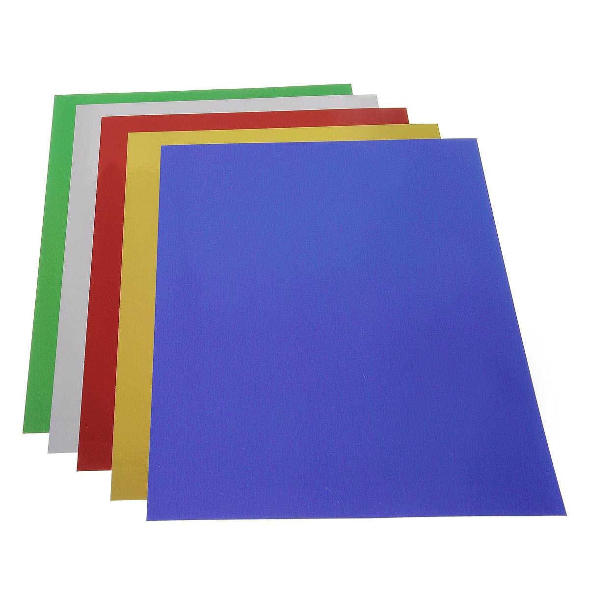 Цветной металлизированный картон Бриз позволит вашему ребенку создавать всевозможные аппликации и поделки.   Набор состоит из пяти листов картона зеленого, красного, синего, золотистого и серебристого цветов. Картон упакован в яркую папку, оформленную рисунком с изображением зайчика. Создание поделок и аппликаций из картона - это увлекательный досуг, который позволит ребенку развивать свои творческие способности.