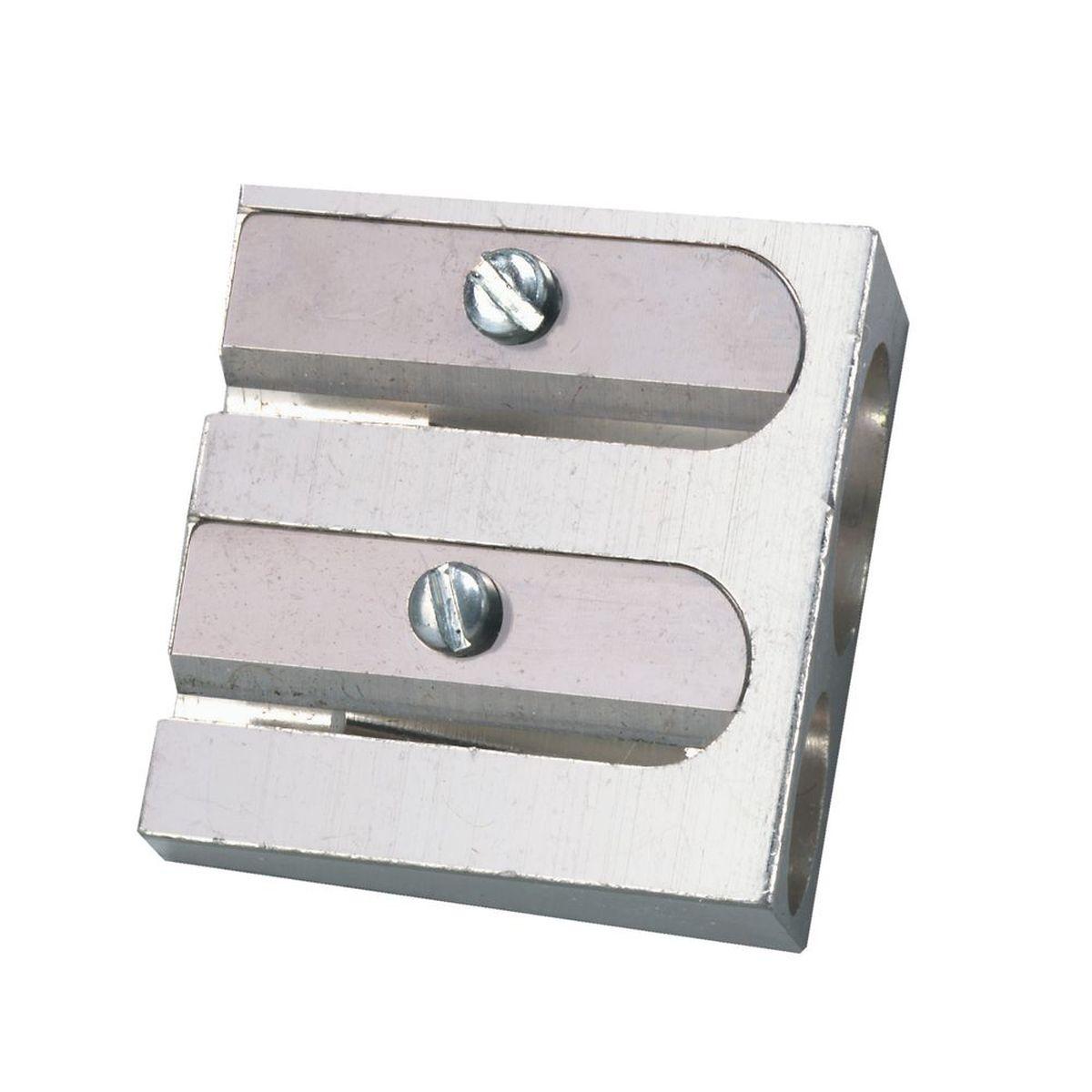 Точилка Herlitz с металлическим корпусом предназначена для затачивания карандашей.Точилка имеет два отверстия для карандашей различных диаметров 8 мм и 11 мм. Острое стальное лезвие обеспечивает качественную и точную заточку. Карандаш затачивается легко и аккуратно.Точилка Herlitz с двумя отверстиями пригодится любому школьнику или студенту.
