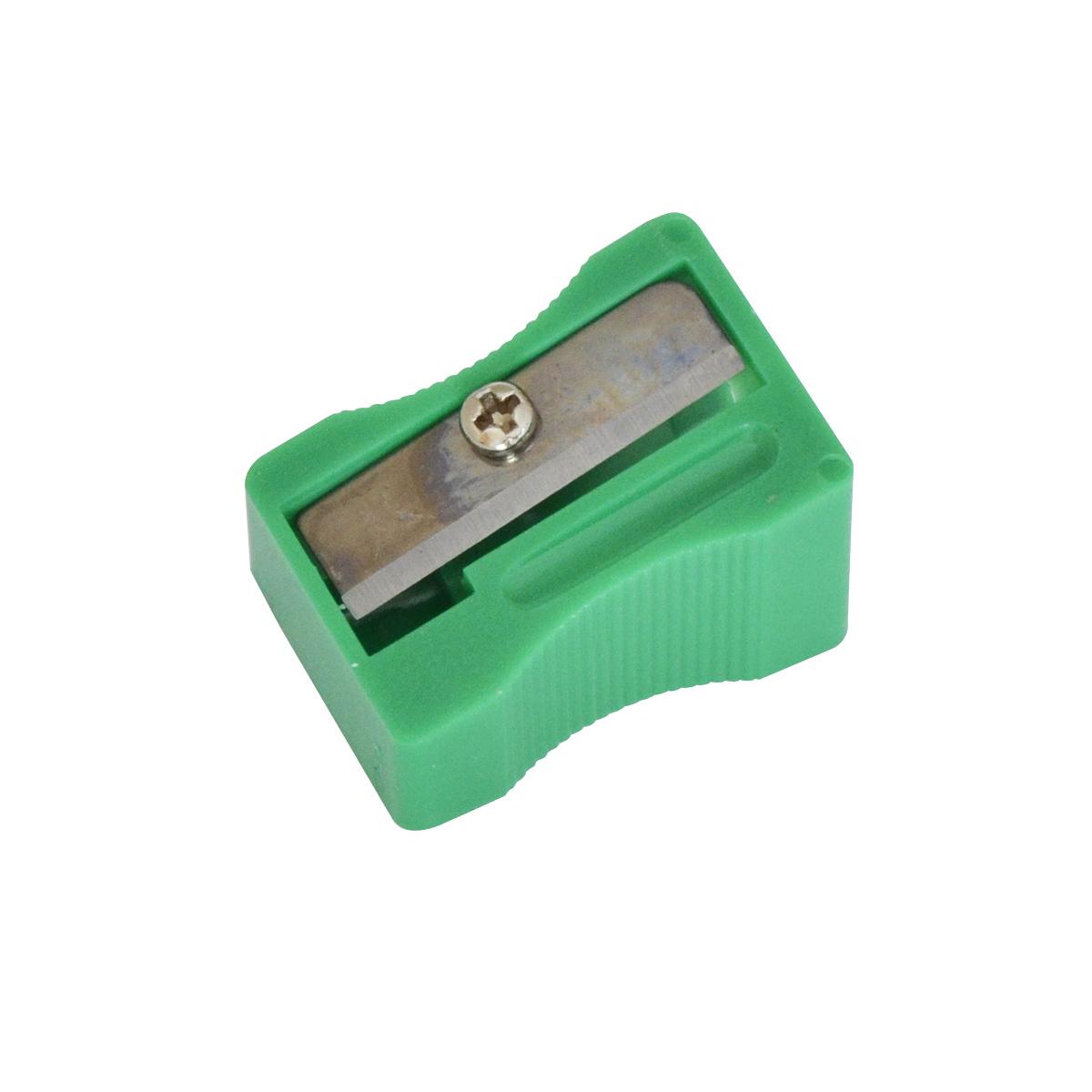 Набор Action! состоит из двух одинарных точилок без контейнера в ярком пластиковом корпусе для заточки утолщенных карандашей. Каждая точилка с рифленой областью захвата изготовлена из неломающихся, ударопрочных материалов. Высококачественное лезвие позволит использовать такие точилки длительное время.