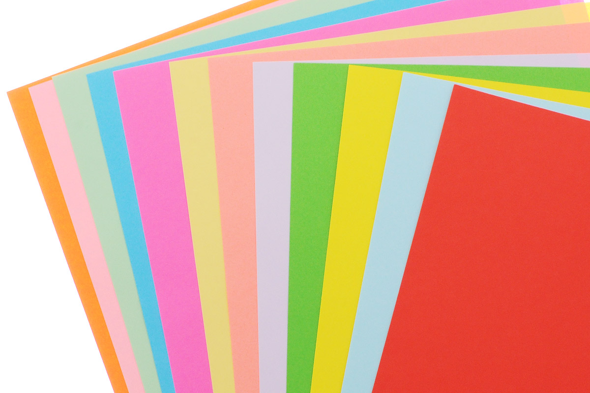 Тонированная цветная бумага Апплика Ромашка формата А4 идеально подходит для детского творчества: создания аппликаций, оригами и многого другого.    В упаковке 12 двухсторонних листов тонированной бумаги 12 разных цветов. Детские аппликации из тонкой цветной бумаги - отличное занятие для развития творческих способностей и познавательной деятельности малыша, а также хороший способ самовыражения ребенка.    Рекомендуемый возраст: от 3 лет.