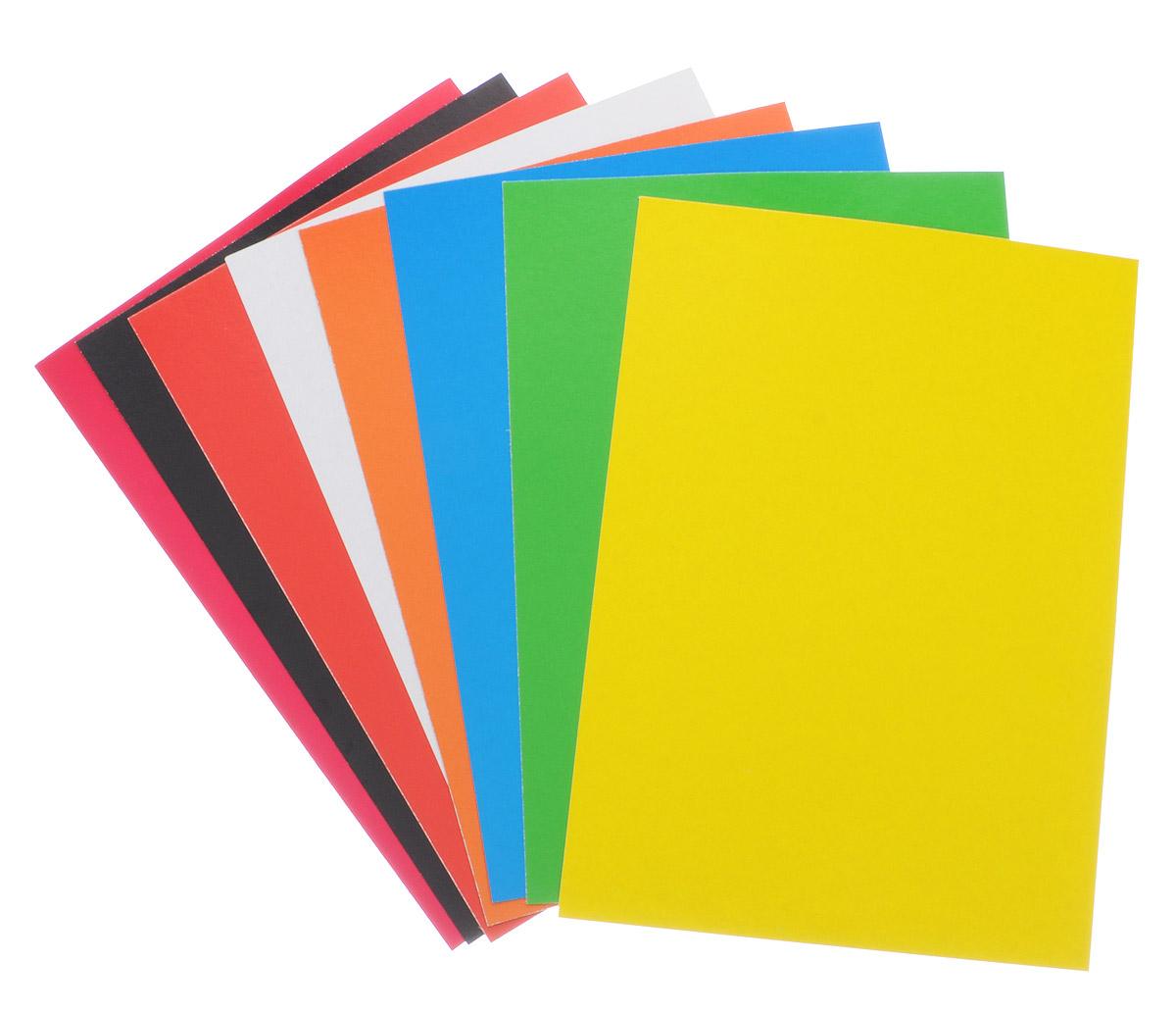 Набор цветного картона Studio позволит создавать всевозможные аппликации и поделки. Набор упакован в картонную папку с изображением цветных домиков на голубом фоне. Набор включает 8 листов одностороннего цветного картона формата А4. Цвета: желтый, красный, пурпурный, зеленый, синий, белый, оранжевый, черный.  Создание поделок из цветного картона позволяет ребенку развивать творческие способности, кроме того, это увлекательный досуг.