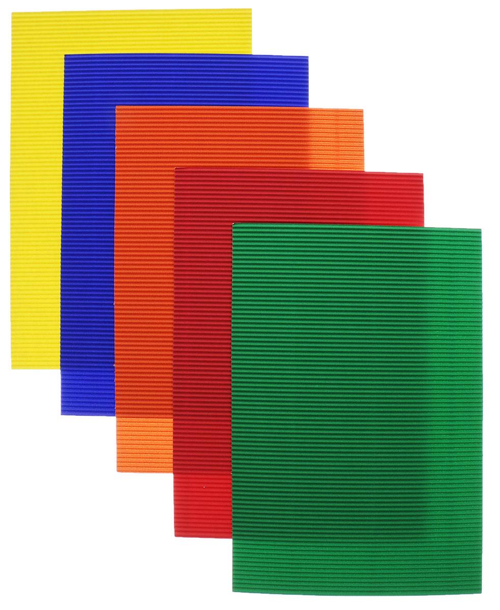Цветной гофрированный картон Апплика Машинка формата А4 идеально подходит для детского творчества: создания аппликаций, оригами и многого другого.    В упаковке 5 листов гофрированного картона 5 разных цветов. Форма текстуры - волна. Картон упакован в папку-конверт с окошком. Детские аппликации из цветного картона - отличное занятие для развития творческих способностей и познавательной деятельности малыша, а также хороший способ самовыражения ребенка.    Рекомендуемый возраст: от 3 лет.