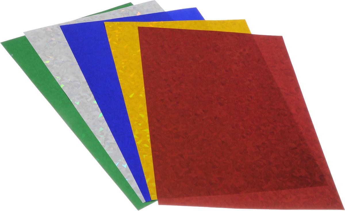 Набор цветной голографической бумаги Hatber Creative Set позволит создавать всевозможные аппликации и поделки, а также эксклюзивные открытки и экстравагантные подарочные коробки.Набор состоит из пяти листов односторонней цветной бумаги. Бумага с одной стороны покрыта цветной голографической фольгой, которая переливается множеством цветных искр. Детали, вырезанные из такой бумаги, эффектно смотрятся на любых поделках.Создание поделок позволяет ребенку развивать творческие способности, кроме того, это увлекательный досуг.Набор упакован в картонную папку.