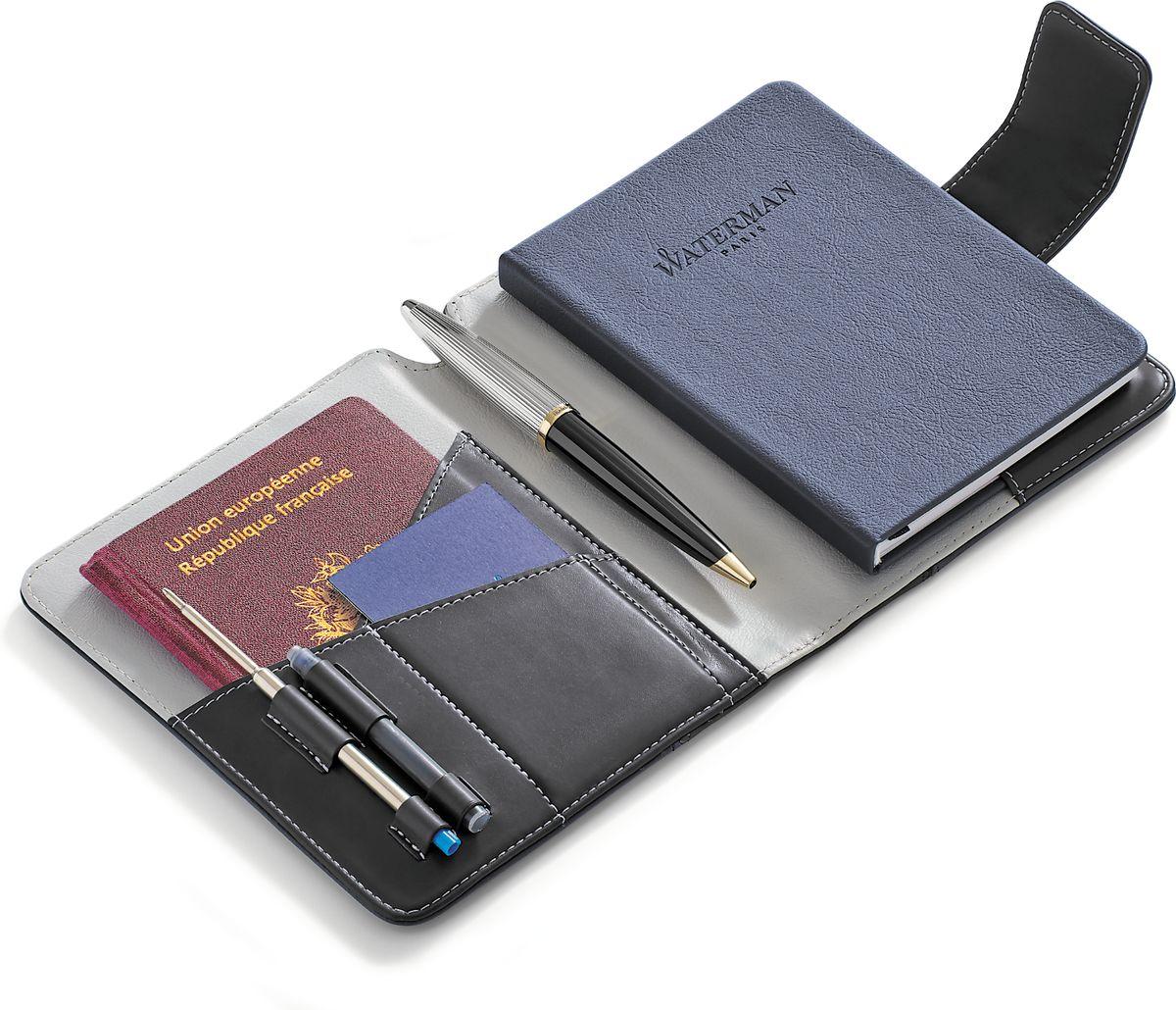 Шариковая ручка с блокнотом Waterman Carene Deluxe Black GT - это высококачественный канцелярский набор, который будет незаменимым аксессуаром для любого делового человека, а также станет превосходным подарком. В набор входит шариковая ручка, блокнот, стержень и резервуар с чернилами.Блокнот для путешественника с тканевой закладкой-полоской и магнитной застежкой имеет обложку из экокожи, не разлинован, внутренний блок представлен 40 белыми листами. Шариковая ручка Carene Deluxe Black GT имеет лакированный черный корпус, посеребренные и позолоченные детали. Цвет чернил - синий.