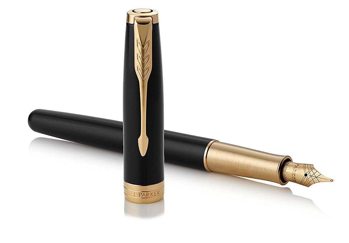 Sonnet - это ручка для людей, письмо для которых является любимым занятием. Линии стройного корпуса делают ее ценным приобретением. Это ручка для тех, кто способен оценить классическую уравновешенность и красоту. Для тех, кто испытывает наибольшее удовольствие от жизни в условиях комфорта, для людей, привыкших к роскоши. Серия Sonnet отличается тонкой гармонией, с которой в ней соединяются традиция и оригинальность.Классическое сочетание Parker - черный лаковый корпус, золотое перо 18К. Для деловых людей, которые ценят свое время и качество в деталях.