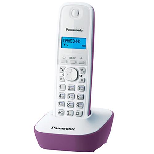 Panasonic KX-TG1611 RUF, Purple DECT телефонKX-TG1611RUFDECT-телефон Panasonic KX-TG1611 RUF предложит владельцу массу полезных функций, 12 мелодий звонка, стильный дизайн и подарит радость общения. Аппарат оснащен 1-строчным монохромным дисплеем с подсветкой. Это делает его использование в темноте или плохо освещенном помещении чрезвычайно удобным. Телефонная книга и журнал входящих вызовов способны сохранить до 50 номеров. Автоматический определитель номера поможет избежать нежелательных бесед, часы и будильник - не опоздать на работу или встречи. Поддержка стандартов DECT/GAP позволяет использовать любые совместимые телефоны и базы (не все функции могут быть доступны). Аппарат снабжен русскоязычным меню.