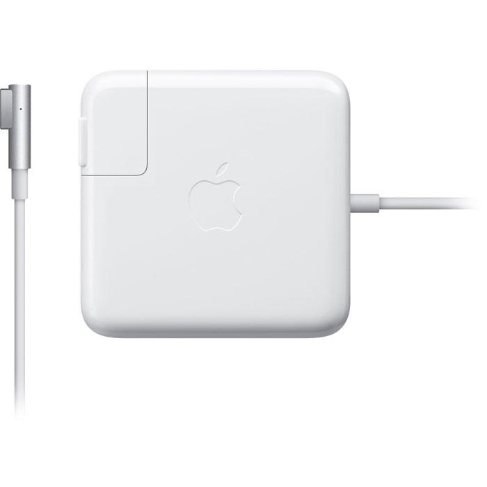 Apple MacBook 60W Magsafe Power (MC461Z/A)MC461Z/AАдаптер питания Apple MacBook 60W Magsafe Power с магнитным коннектором MagSafe, гарантирующим, что электрический кабель будет отключен неповрежденным в случае, если к нему приложено чрезмерное усилие, и предотвращающим износ кабеля. Снабжен светодиодным индикатором режима зарядки. Имеет удобное устройство хранения кабеля.Тип штекера: L-образный