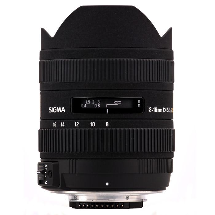 Sigma AF 8-16mm F4.5-5.6 DC HSM, Canon70-200mm F2.8 EX DG OS HSM, CanonСверхширокоугольный объектив Sigma AF 8-16 f/4.5-5.6 DC HSM стал первым в мире объективом с минимальным фокусным расстоянием 8 мм, созданным специально для неполнокадровых цифровых зеркальных камер. Объектив имеет огромное поле зрения, что, вкупе с его способностью усиливать перспективу, открывает фотографу невероятные творческие возможности. С учетом кроп-фактора диапазон фокусных расстояний объектива охватывает уникальные широкоугольные значения 12 – 24 мм в 35-мм экв. Объектив формирует круг изображения, в точности соответствующий площади сенсора формата APS-C. Уменьшение круга изображения позволило сделать объектив сравнительно легким и компактным для своих характеристик, благодаря чему AF 8-16 f/4.5-5.6 DC HSM сможет с удобством отправиться со своим владельцем в любую поездку или путешествие. А надежная и прочная конструкция объектива (его корпус выполнен по преимуществу из металла) позволит ему с успехом преодолеть все трудности «кочевой жизни».Оптическая схема объектива состоит из 15 линз в 11 группах. В оптической схеме используются четыре сверхвысококачественных элемента из нового стекла FLD (F Low Dispersion), которые сопоставимы по характеристикам с линзами из флюоритового стекла. Стекло FLD обеспечивает минимальный возможный на сегодняшний день уровень дисперсии и максимально высокое светопропускание, а также высокую аномальную дисперсию. Благодаря своим параметрам элементы из такого материала максимально эффективно исправляют хроматическую аберрацию, в том числе аберрацию во вторичном спектре, которую практически невозможно устранить посредством других линз. Кроме того оптическая схема объектива включает три асферические линзы (две литые и одну гибридную), которые обеспечивают коррекцию дисторсии и астигматизма. Оптические элементы выполнены с ультрамногослойным просветлением, что исключает появление бликов и переотражений, от которых часто страдают изображения, полученные при помощи