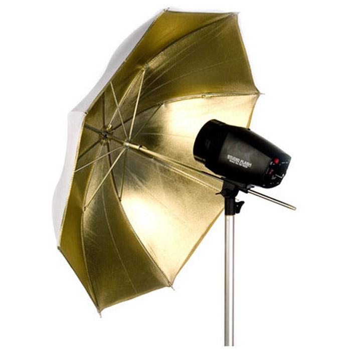 Falcon Eyes UR-32G, GoldUR-32GЗонт-отражатель Falcon Eyes UR-32. Если Вы хотите придать снимкам великолепный золотистый оттенок, например эффект загорелой кожи, или эффект захода солнца, рекомендуется приобрести отражающий зонт с золотым покрытием отражающей поверхности. Так же, отражающие фотозонты, в зависимости от покрытия, могут по-разному отразить свет вспышки: полностью, или частично. Это так же используется для придания Вашим фотоснимкам оригинального светотеневого рисунка.