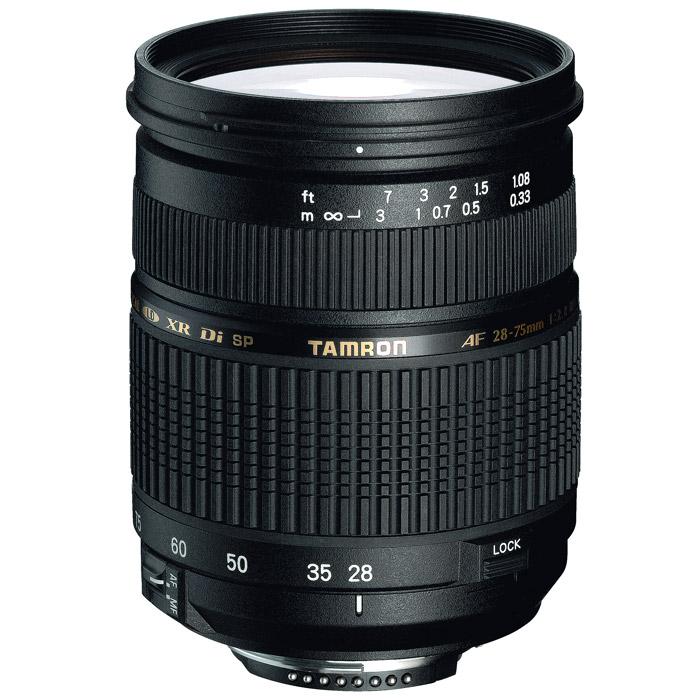 Tamron SP AF 28-75/2,8 XR Di LD Macro, NikonA09NСветосильный зум-объектив Tamron SP AF 28-75/2,8 XR Di LD Macro среднего диапазона очень хвалят профессионалы и серьёзные фотографы за его светосильное относительное отверстие F/2.8 с постоянной диафрагмой, ровное освещение кадра, отличную прорисовку изображения. Всем фотографам нравится его компактный размер и приемлемый вес, как у обычного стандартного объектива. Его восхитительные технические характеристики получены благодаря применению специального стекла XR и LD, эффективному использованию асферических элементов, а также системы внутренней фокусировки( IF). Этот замечательный зум-объектив способен по всему своему диапазону фокусных расстояний навести на резкость объект, находящийся на расстоянии 33 см от камеры (увеличение 1:3,9), обеспечивая удовлетворительные результаты съемки крупным планом. Объектив совместим с матрицами изображения в формате APS-C, а также с полноформатными зеркальными фотоаппаратами. Не удивительно, что он повсеместно признан замечательным классическим объективом.Обозначение Di (Digitally Integrated Design) обозначает поколение объективов, которые были специально адаптированы к требованиям цифровых зеркальных камер (APS-C и полноформатным).