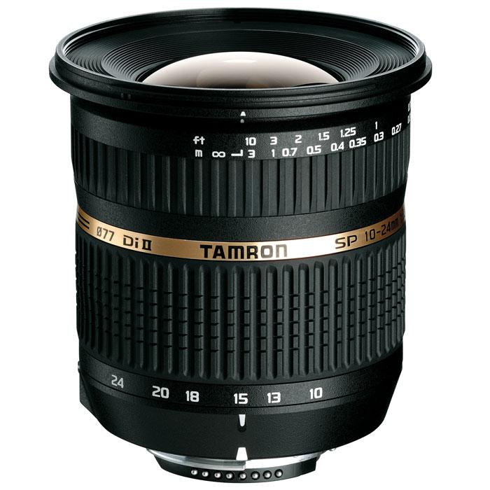 Tamron SP AF 10-24mm F/3.5-4.5 Di II объектив для CanonB001EОбъектив Tamron SP AF 10-24mm/3.5-4.5 Di II LD откроет Вам новые возможности фотографии и позволит Вам создать идеальные фотоснимки. Этот супер широкоугольный объектив разработан на основе известного предшественника Tamron 11-18mm F4.5-5.6. Он относится к профессиональной серии (SP) объективов Tamron и отличается своими высокими оптическими и техническими характеристиками.У этого объектива широкий угол захвата изображения, эквивалентный 16-37 мм в эквиваленте для полноформатных камер. Минимальное фокусное расстояние в 24 см позволяет приблизиться к объекту съемки, для лучшей композиции и творческого решения. Как изумительный пример новаторской технологии Tamron, он дает изображение роскошного качества по всему полю кадра, включая снимки крупным планом. В объективе использованы улучшенные асферические элементы, а также специальные стекла LD и HID. С максимальным углом охвата более 108°, этот классический широкоугольник по последнему слову техники призван буквально и фигурально расширить Ваши творческие горизонты.Объективы серии Di II предназначены исключительно для использования с цифровыми зеркальными фотокамерами, максимальный размер сенсора которых не более 16x24 мм (APS-C). Отверстие у этих объективов, соответственно, меньше, поэтому они не могут быть использованы на полноформатных камерах, поскольку на изображении будет заметно виньетирование (затемнение изображения по краям кадра).Элементы из стекла с низким рассеянием (LD) в объективе помогают уменьшить хроматическую аберрацию, проявляющуюся в изменении цветности света и в попадании света в другую точку плоскости изображения (это – основная причина цветовых искажений и снижения резкости снимка). Хроматическая аберрация ухудшает резкость изображения, но стекло с низким рассеянием отличается очень низким коэффициентом рассеяния и менее склонно к расщеплению (разделению) луча света на цвета радуги.Внутренняя фокусировка [IF] даёт фотографам целый ряд пра