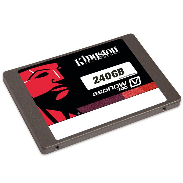 Kingston V300 240GB SSD-накопительSV300S37A/240GПовысьте скорость работы вашего компьютера и сэкономьте средства, заменив старый жесткий диск на твердотельный накопитель Kingston SSDNow V300. Это самое экономически эффективное решение для повышения производительности системы и более простой способ по сравнению с переносом всех данных на новую систему.SSDNow V300 имеет контроллер LSI SandForce, оптимизированный для флеш-памяти нового поколения, что обеспечивает высочайшее качество и надежность. Накопители состоят из твердотельных компонентов и не содержат движущихся деталей, поэтому они имеют повышенную ударопрочность и выдерживают падения и вибрации.Дополнительно:• Вибрация при работе: 2,17 G (пиковая) при частоте 7-800 Гц• Вибрация при простое: 20 G (пиковая) при частоте 10-2000 Гц• Ожидаемый срок службы: 1 млн часов (средняя наработка на отказ)• Максимальная скорость чтения/записи случайных блоков размером 4 КБ: до 85 000 / до 43 000 IOPS• Рейтинг PCMARK Vantage HDD Suite: 57 000• Энергопотребление: 0.64 Вт при простое, 1.42 Вт при чтении, 2.05 Вт при записи