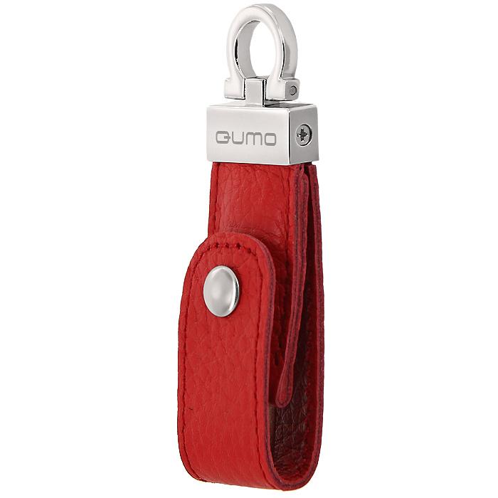 QUMO Lex 64GB, Red USB-накопительQM64GUD-LexНадёжность, строгость и сдержанная роскошь - идеи, лежащие в основе линейки USB-накопителей LEX (закон - лат.) При их изготовлении используются хромированная сталь и кожа - классические, проверенные временем материалы, импонирующие тем, кто не гонится за показной красотой и замысловатым дизайном. Техническая начинка серии также не разочарует вас. Накопители упакованы в стильную подарочную картонную коробку с окном и пластиковой вставкой, выгодно отличающую их от общей массы подобной продукции.