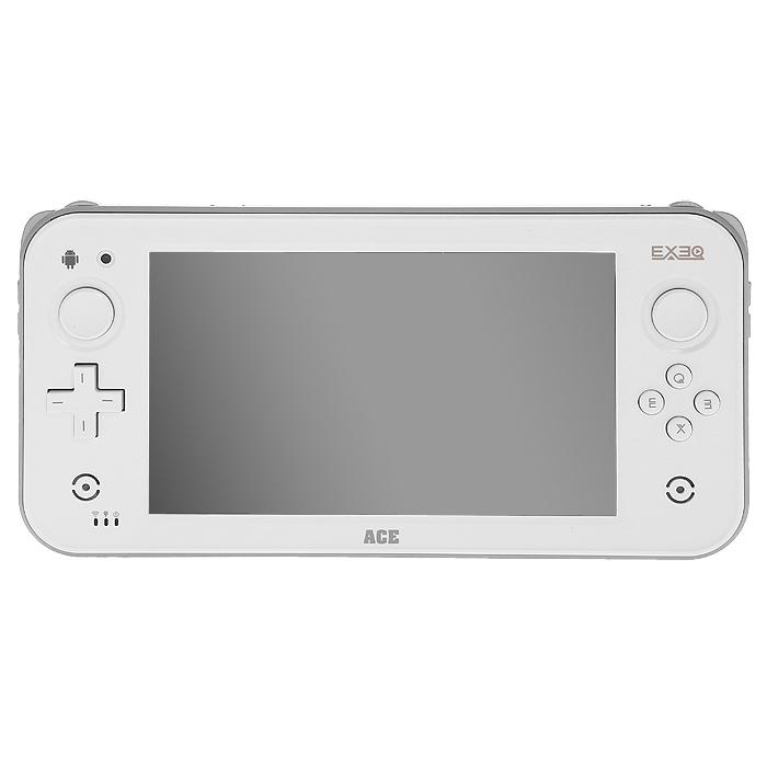 Игровая консоль EXEQ ACE (белая)MP-1024EXEQ ACE - супермощная игровая консоль с 7-ми дюймовым дисплеем! Устройство оборудовано двухъядерным процессором с частотой 1,5 ГГц и 1 Гб оперативной памяти - загружайте самые последние приложения, бороздите просторы интернета, играйте в игры и наслаждайтесь быстродействием Вашего устройства!Яркий 7-ми дюймовый дисплей с разрешением 1024 на 600 пикселей и поддержкой мультитач до 5-ти точек касания подарит еще больше комфорта при просмотре фильмов, чтения книг, прохождения уровней в любимой игре!Поддержка игровой консольюOTG и HDMI-выхода, позволит подключить к игровой приставке USB-диск, клавиатуру или мышь, а также вывести любимые игры и видео на самые большие экраны телевизоров! Exeq ACE- новые возможности Вашей игровой приставки!