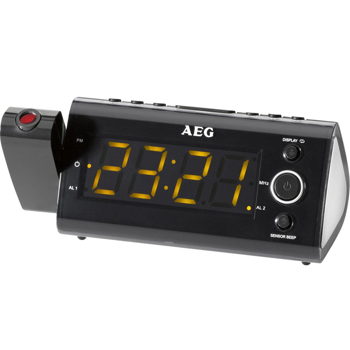 AEG MRC 4121 P Sensor, Black радиочасыMRC 4121 P schwarzРадиобудильник AEG MRC 4121 P с интегрированным инфракрасным датчиком. С помощью интегрированного инфракрасного датчика можно управлять такими функциями, как таймер автоматического отключения, спящий режим, смена индикации температуры в помещении, будильника, времени и радиочастоты путем простого взмаха над датчиком.Индикация датыИндикация температуры и часовПоворотный проектор 180° с возможностью фокусировкиСветодиодный дисплей размером около 11 см, с оранжевой подсветкойИнтегрированный инфракрасный датчик для бесконтактного управленияЦифровая индикация частоты настройки, 10 ячеек памяти для запоминания радиостанций, дипольная антеннаРезервное питание для часов при отключении питания сетиРезервное питание для часов: часовая батарея CR 2032 (батарея в комплект поставки не входит)