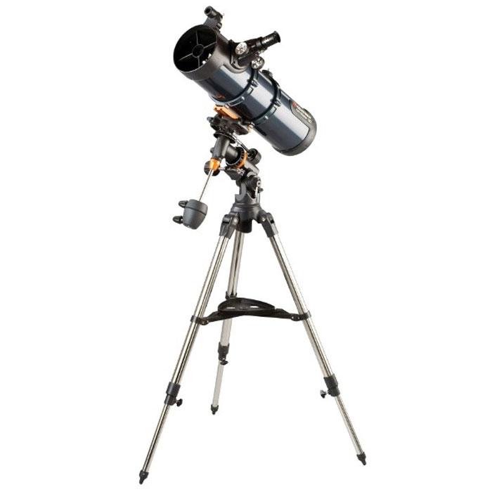 Celestron AstroMaster 130 EQ-MD телескоп-рефлектор НьютонаC31051Телескоп Celestron AstroMaster 130 EQ-MD - это мощный оптический инструмент, обладающий качественной оптикой, надежностью и простотой в эксплуатации. Устройство дает яркие, контрастные изображения тысяч объектов ночного неба, делая занятия астрономией интересными и доступными каждому. Телескоп быстро подготавливается к работе, не требуя инструментов для сборки, и практически не нуждается в техническом обслуживании.Телескопы серии AstroMaster оснащены переработанными искателями StarPointer, упрощающими наведение на цель, быстросъемными приспособлениями типа «ласточкин хвост» для крепления оптической трубы, удобными полочками для аксессуаров и легкими, предварительно собранными стальными треногами. Телескопы имеют ручное управление, позволяющее легко и быстро находить небесные объекты и следить за ними. Интересуют наблюдения наземных объектов? Оптика с прямым изображением идеально подходит для этих целей.