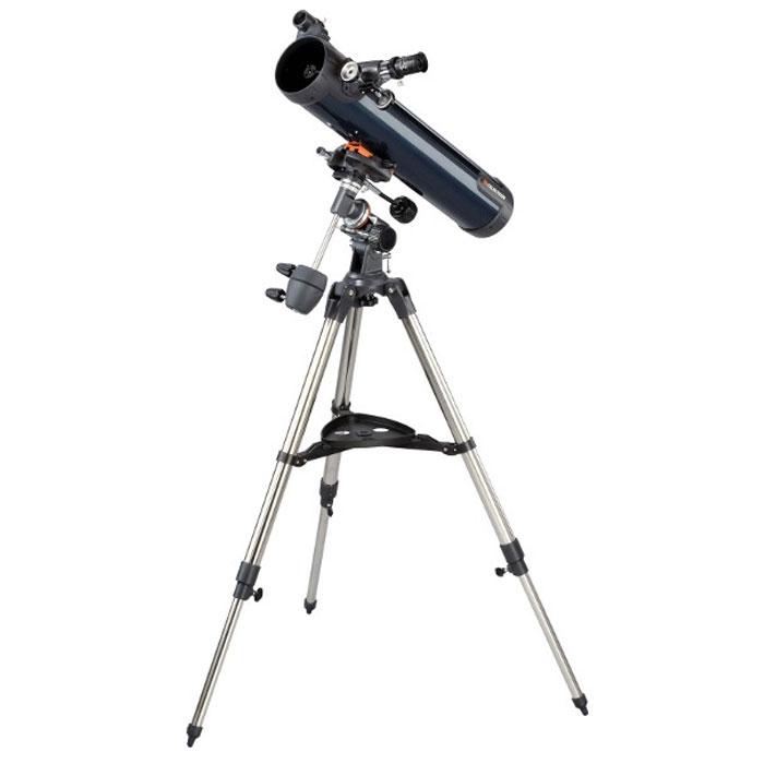 Celestron AstroMaster 76 EQ телескоп-рефлектор НьютонаC31035Телескоп Celestron AstroMaster 76 EQ - это мощный оптический инструмент, обладающий качественной оптикой, надежностью и простотой в эксплуатации. Устройство дает яркие, контрастные изображения тысяч объектов ночного неба, делая занятия астрономией интересными и доступными каждому. Телескоп быстро подготавливается к работе, не требуя инструментов для сборки, и практически не нуждается в техническом обслуживании.Телескопы серии AstroMaster оснащены переработанными искателями StarPointer, упрощающими наведение на цель, быстросъемными приспособлениями типа «ласточкин хвост» для крепления оптической трубы, удобными полочками для аксессуаров и легкими, предварительно собранными стальными треногами. Телескопы имеют ручное управление, позволяющее легко и быстро находить небесные объекты и следить за ними. Интересуют наблюдения наземных объектов? Оптика с прямым изображением идеально подходит для этих целей.