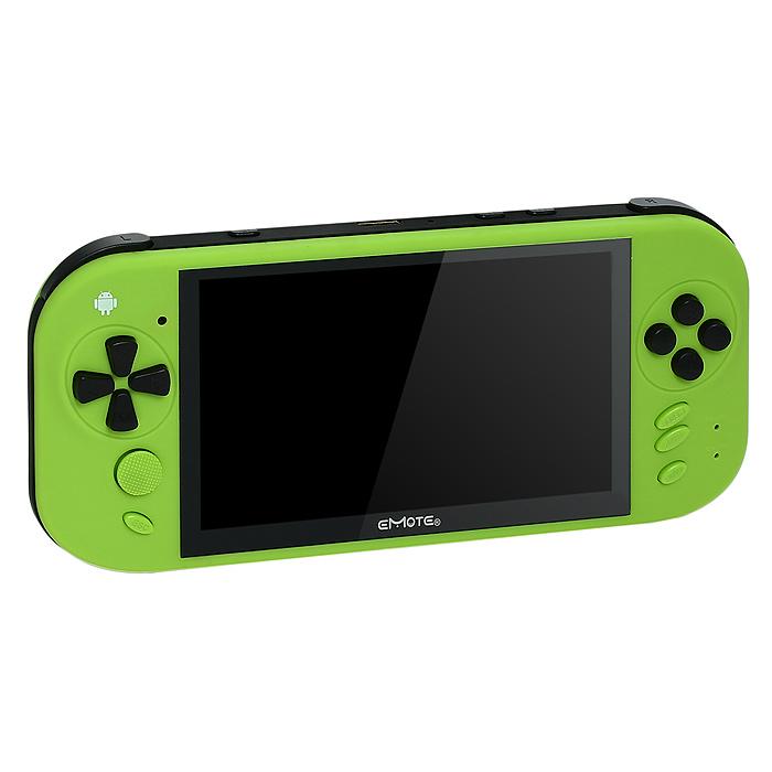 Emote Else, Green игровая приставкаEM-1013 GREmote Else – яркий игровой плеер с массой возможностей!Дизайн с эффектом теплоты и мягкости:Emote Else – игровой плеер с плавной обтекаемой формой, комфортным расположением кнопок управления и яркой цветовой гаммой. Корпус плеера выполнен из «мягкого» пластика Soft-touch, благодаря которому поверхность устройства более устойчива к царапинам, приятна на ощупь, а сам плеер не скользит в руках. Специальная матовая поверхность Soft-touch в сочетании с яркой цветовой гаммой придает игровым плеерам Emote Else особый эффект теплоты и мягкости. Устройство очень приятно держать в руках, а на выбор предлагается 4 варианта самых ярких расцветок: зеленый, голубой, розовый и стильный черный.Красочный и четкий дисплей:Emote Else оборудован 5-ти дюймовым емкостным экраном с разрешением 800*480 px и функцией multitouch, поддерживающей до 5 одновременных касаний. Дисплей имеет оптимальные настройки параметров яркости и контрастности изображения, которые даже при ярком или недостаточном освещении позволят комфортно наблюдать за всем происходящим на экране. Просмотр фильмов, фотографий, чтение электронных книг, прохождение уровней в 3D-играх превратится в истинное удовольствие с Emote Else.Возможности подключений:Благодаря встроенному модулю WiFi и яркому большому дисплею Emote Else легко превращается в удобное портативное устройство для серфинга в Интернете. Читайте новости в интернете, общайтесь с друзьями в социальных сетях, просматривайте популярные ролики на Youtube - с Emote Else ничто не будет отвлекать вас от любимых занятий. Также игровой плеер Emote Else имеет выход стандарта HDMI 1.2, благодаря которому любое изображение с плеера можно вывести на большой экран телевизора.