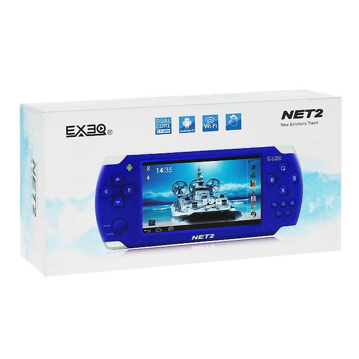 Портативная игровая консоль EXEQ NET 2 (синяя)MP-1026 BUExeq Net 2 - компактная игровая консоль с мощной начинкой и широкими мультимедийными возможностями. Консоль работает на базе двухъядерного процессора Amlogic MX-L Dual core и оснащена сенсорным экраном в 4,3 дюйма с поддержкой мультитач до 5 касаний. Управляется Exeq Net 2 посредством Android 4.1, для выхода в интернет имеет модуль WiFi стандарта 802.11 b/g/n. Игровая консоль поддерживает игры для Android, приложения от PS1, Nintendo, GBA и Sega MegaDrive, воспроизводит всевозможные форматы видео и аудио. Загружайте самые захватывающие игры, смотрите любимые фильмы, бороздите просторы интернета - с Exeq Net 2 ничто не будет отвлекать Вас от приятного времяпрепровождения! Улучшенное быстродействие: Exeq Net 2 работает под управлением OS Android 4.1 и оснащена двухъядерным процессором Amlogic MX-S Dual core Cortex A9 с тактовой частотой 1.5 ГГц. Мощный процессор вкупе с быстродействием OS позволяет компактной консоли гораздо быстрее загружать самые последние приложения, надежнее воспроизводить самые красочные видеоигры и просто летать во время серфинга в интернете. Консоль имеет 4 Гб встроенной памяти, но при желании память можно расширить за счет карт Micro SD, объемом до 32 Гб. Емкостный сенсорный экран: Exeq Net 2 оборудован емкостным дисплеем в 4,3 дюйма с разрешением 480 х 272 пикселей и с полноценной функцией Multitouch, поддерживающей до 5 одновременных касаний. На ярком дисплее вы сможете ощутить всю красочность ваших любимых 3D-игр и насладиться всеми возможностями сенсорных игр. Игровые возможности: Exeq Net 2 поддерживает самые популярные форматы игр: N64, PS1, Arcade CP1/CP2/Neo/Geo, GBA, MD, Android games, Touch games, Gravity games и прочее. Благодаря яркому сенсорному экрану с поддержкой мультитач до пяти одновременных касаний и мощному процессору прохождение уровней в самых популярных сенсорных играх превратится в настоящее виртуальное приключение. Мультимедиа и возможности подключения: Exeq Net 2