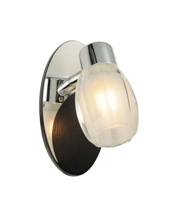 Бра ST Luce SL571 701 01SL571.701.01Спот SL571.701.03 - выполнен в классическом стиле. Для изготовления этой модели были использованы высококачественные материалы, такие как металл и стекло. Световой поток, направленный вниз, не создает теней и дает хорошее яркое освещение вашей комнаты.