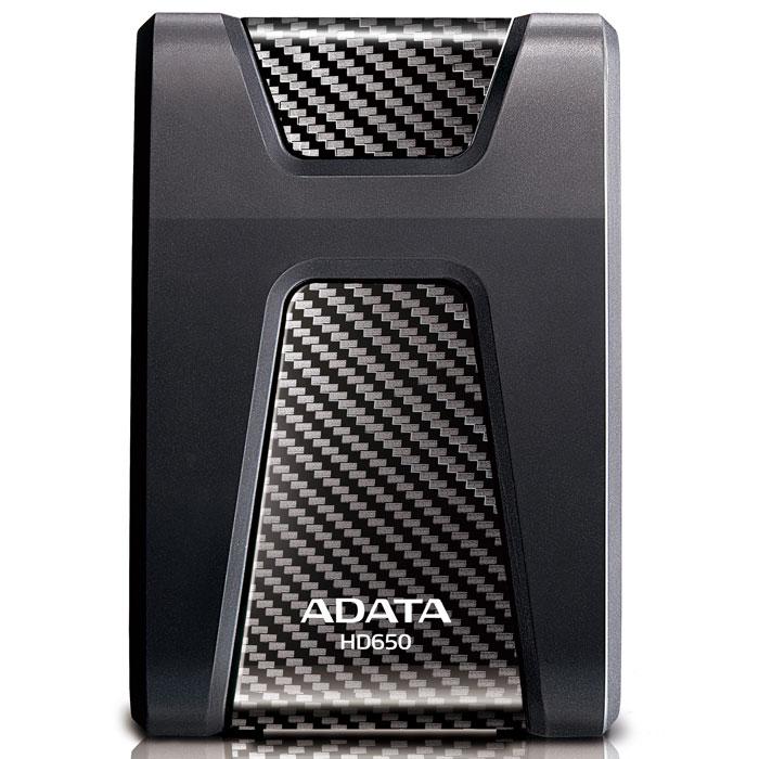 ADATA HD650 1TB USB3.0, Black внешний жесткий дискAHD650-1TU3-CBKВнешний накопитель ADATA HD650, сочетающий в себе современные материалы и опыт высокоточного конструирования, характеризуется повышенной конструктивной прочностью и обеспечивает высокую безопасность данных. Трехслойная конструкция корпуса HD650 включает уникальный, исключительно упругий резиновый материал, который амортизирует самые сильные удары, направленные по любой оси корпуса. Сам корпус изготовлен из прочного композитного пластика, сверх-устойчивого к царапинам и повреждениям. Накопитель имеет интерфейс USB 3.0 для сверхскоростной передачи данных и лазурные светодиодные индикаторы питания и состояния передачи. Стильный, привлекательный накопитель с плавными контурами и поразительными цветами корпуса - прекрасное средство хранения ваших бесценных файлов, разработанное специально для активных и подвижных людей.