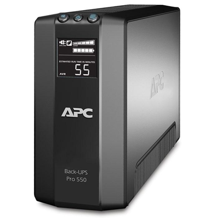APC BR550GI Power-Saving Back-UPS Pro 550 ИБПBR550GIИсточник бесперебойного питания APC BR550GI Power-Saving Back-UPS Pro 550 оснащается 6 компьютерными розетками и многоразовым предохранителем.Поддержите и защитите свое оборудование и данные во время отключений электричества, всплесков и импульсов напряжения. Устройство обеспечивает защиту вспомогательной электронной техники от всплесков и перепадов напряжения без потребления энергии от аккумулятора, необходимой для работы более важного оборудования при отключении сетевого питания.Регулируемая чувствительность к уровню напряжения обеспечивает возможность настройки ИБП на оптимальную эффективность в любой заданной инфраструктуре электропитания, в том числе с применением резервной генераторной установки. Регулярная самодиагностика батарей позволяет своевременно обнаружить батарею, подлежащую замене. Автоматическая регулировка пониженного напряжения (AVR) обеспечивает увеличение срока службы аккумуляторов и ИБП с помощью корректировки пониженного напряжения из электросети до безопасного уровня, без перехода на питание от батареи.Максимальное повышение эффективности батареи, увеличение срока ее службы и надежности достигается за счет точной интеллектуальной зарядки. Многоразовый автоматический предохранитель гарантирует простую процедуру восстановления после перегрузки; замена предохранителя не требуется. Уведомление об изменениях сетевого электропитания и условий работы ИБП осуществляется с помощью звуковых сигналов. А визуальные индикаторы помогут быстро определить состояние устройства и питания.