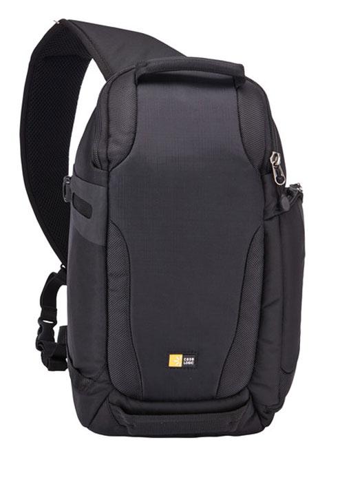 Case Logic DSS-101, Black рюкзак для зеркального фотоаппаратаCL_DC_DSS-101Эта спортивная и функциональная поясная сумка для цифрового зеркального фотоаппарата подойдет как для походов, так и для применения в городе и станет необходимым аксессуаром для фотографов в пути. Регулируемые стенки и внутренняя поверхность синего цвета позволяют легко расположить вашу компактную системную камеру или цифровой зеркальный фотоаппарат, а также 1–2 дополнительные линзы или вспышку и аксессуары. Благодаря такой конструкции вы быстро получаете доступ к содержимому сумки, даже не снимая ее.В основное отделение помещается системная камера или компактный цифровой зеркальный фотоаппарат, 1–2 объектива или вспышка и аксессуары с регулируемыми разделительными стенками для удобного ношения.Конструкция сумки обеспечивает быстрый и безопасный доступ к фотооборудованию.Специальный отдел идеально подойдет для iPad.Специальный внутренний карман для карты памяти.В верхнем отделении с молнией хранятся личные вещи, например телефон, закуска или солнечные очки, а внутренний карман с молнией идеально подходит для хранения кошелька или документов.Эргономичная конструкция сочетает мягкую сетчатую заднюю панель и широкий плечевой ремень с сетчатой подкладкой, благодаря чему сумку удобно носить в любом положении.Дополнительный пояс защелкивается на ремне и регулируется для распределения веса фотооборудования, так что сумка будет надежно закреплена даже при активных действиях (если пояс не используется, его можно положить в заднее отделение).С помощью петли на ремне можно легко подтащить сумку к себе, ее также можно преобразовать в защелку-карабин.Компактный боковой отдел для монопода или штатива с регулируемым кайпалоновым ремнем, который предотвращает скольжение.Влагозащитный чехол удобно размещается поверх сумки и защищает ее содержимое от стихии (если он не используется, его можно держать в специальном отделении в задней панели).