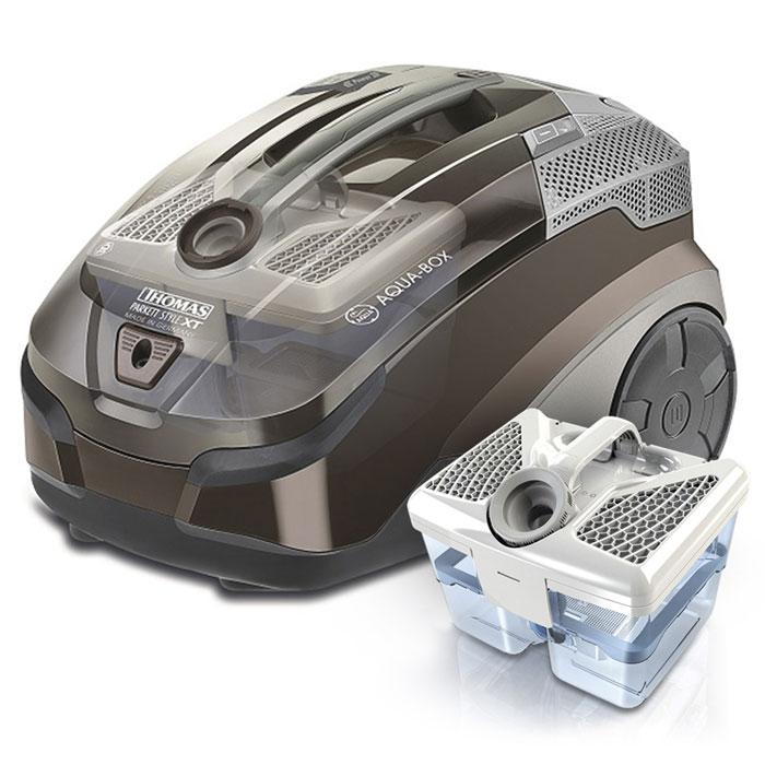 Thomas Parkett Style XT 788571Parkett Style XT (788571)Thomas 788571 Parkett Style XT пылесосит и моет за одно движение - подойдет для любых квартирных покрытий, включая даже паркет и ламинат, а также для чистки ковров на всю длину ворса. Качество очистки такое высокое, чтообычная уборка эффективна, как генеральная. Вместо пылесосного запаха весенняя свежесть.Безмешковая технология Thomas AQUA-BOXМешок пылесборник для экстренной уборкиСпециальный гигиенический фильтрМоющийся, кордовый шланг с пультом дистанционного управления и интегрированным шлангом для моющего раствораНасадка для влажной уборки паркета и ламината THOMAS Aqua Stealth + микроволоконная салфетка