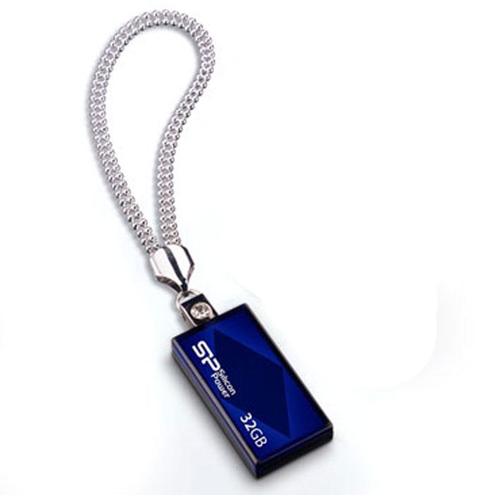 Silicon Power Touch 810 32GB, Blue USB-накопительSP032GBUF2810V1BSilicon Power выпустила USB накопитель Silicon Power Touch 810 с улучшенным дизайном. Колоритное изображение ромба наряду с выдвижным коннектором и кристаллом придают модели особенную элегантность.Модель Silicon Power Touch 810выпускается в синем или красном цвете. Колоритное изображение ромба и кристалла на поверхности позволяет модели изящно сверкать под воздействием солнечных лучей. Silicon Power использует последнюю технологию Chip-on-Board (COB), что делает накопитель ультра-легким (5 грамм). Для удобства пользователей, накопитель оснащен цепочкой и имеет выдвижной USB коннектор, что устраняет опасения потери колпачка. Маленький, удобный и привлекательный - основные отличительные особенности этого устройства, что делает его идеальным для использования в виде украшения на шее или для использования в командировках.