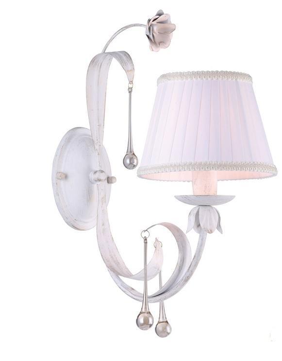 A8100AP-1WG BORGIA БраA8100AP-1WGОригинальный и стильный светильник, который создаст неповторимую атмосферу у вас в квартире или на даче. Благодаря высококачественным материалам он практичен в использовании и отлично работает на протяжении долгого периода времени. Светильник без мерцания распространяет свет и не вредит вашим глазам.