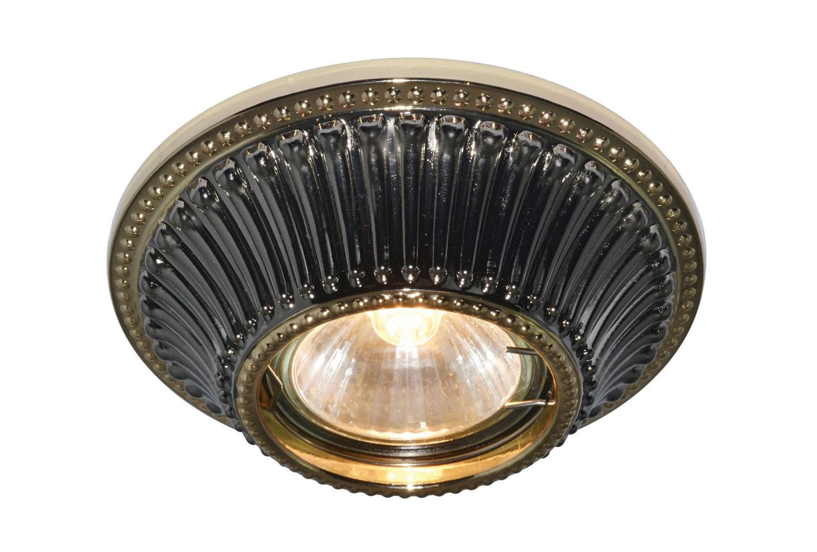 A5298PL-1BA ARENA Встраиваемый светильникA5298PL-1BA1x50W; патроны GU10 и G5,3 в комплекте Материал: Арматура: Металл, литьеРазмер: 110x110x45Цвет: Античный черный