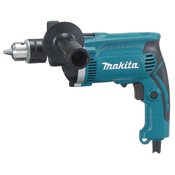 Дрель ударная Makita HP1630173864Ударная дрель Makita HP1630 имеет два режима работы: сверление и сверление с ударом. Прочная алюминиевая крышка корпуса редуктора. Конструкция корпуса дрели позволяет удобно держать ее одной рукой при выполнении сложных потолочных работ. Удобный большой курковый выключатель. В комплекте боковая рукоятка, ключ для кулачкового патрона, ограничитель глубины сверления.
