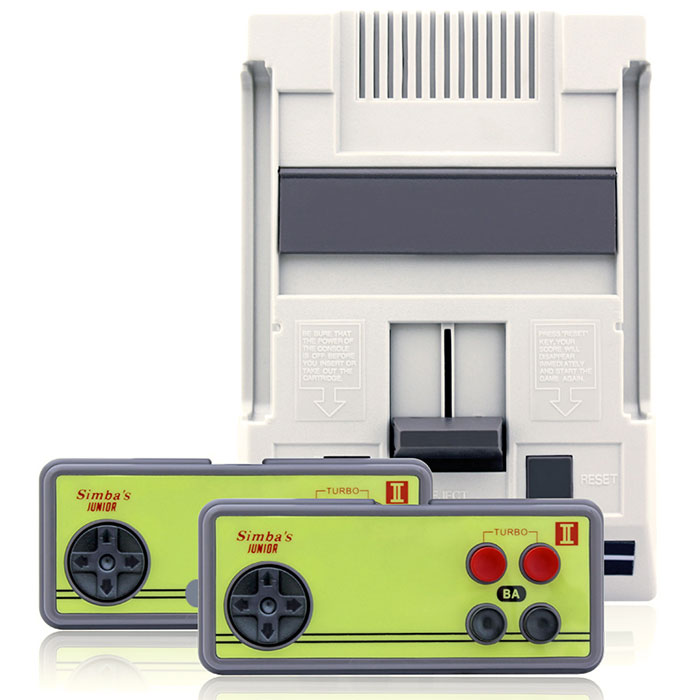 Игровая приставка Simbas Junior 2500 игрVG-802Simbas Junior - классическая 8-битная приставка в оригинальном формфакторе. Приставка оснащена комплектом из 2500 видеоигр для детей от 3 до 7 лет. Отличается неприхотливостью, лёгкостью подключения и надежностью в работе.