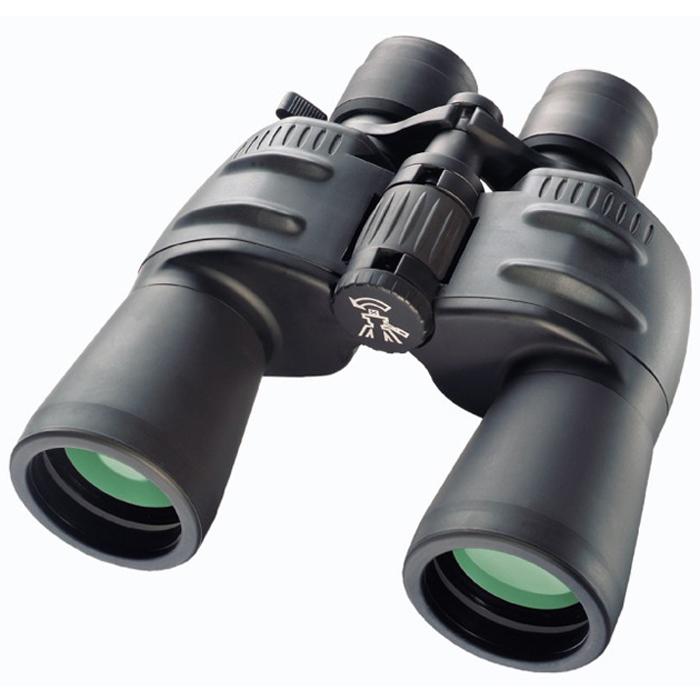 Bresser Spezial-Zoomar 7-35x50 бинокль64653Полевой бинокль Bresser Spezial-Zoomar 7-35x50 сочетает прекрасную оптику, высокое качество сборки и эргономичный дизайн. Большой диапазон увеличений значительно расширяет возможности бинокля и позволяет вести наблюдения за объектами на разном расстоянии. Призмы и линзы бинокля Bresser Spezial-Zoomar 7-35x50 выполнены из оптического стекла BaK-4 и имеют полное многослойное покрытие, поэтому изображение отличается четкостью, яркостью и контрастностью. Увеличение меняется плавно, при помощи рычажка на окуляре. Имеется возможность диоптрийной корректировки. Наблюдения можно вести даже в очках, поскольку наглазники имеют поворотно-выдвижную конструкцию. Резиновое покрытие корпуса защищает бинокль от пыли и обеспечивает надежный захват. Для длительных наблюдений (особенно при большом увеличении) рекомендуется установить бинокль на штатив.Увеличение: 7-35x