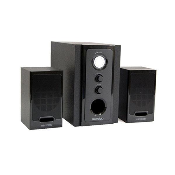 Microlab M528, Black акустическая системаM528 Blackmicrolab M-528 - это компактная акустическая система 2.1 в деревянном (MDF) корпусе современного дизайна. Специально разработанные динамические головки оптимизированы для чистого и точного звучания.Технические особенности:4 динамик сабвуфера аэродинамической формы (корзина динамика оптимизирована для снижения возможных шумов)Кристальный и чистый звук динамиков сателлитов (тип V)Магнитное экранированиеИдеально работает как со звуковыми картами персонального компьютера, так и с портативными аудио плеерами, mp3 плеерами, ноутбуками и любыми источниками звука
