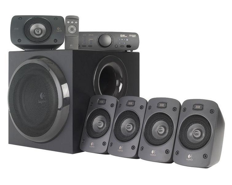 Logitech Z906 5.1 (980-000468)980-000468Аудиосистема 5.1 Logitech Z906 мощностью 500 Вт с сертификатом THX обеспечит мощный звук и точно передаст все нюансы.Ощутите все нюансы объемного звука в формате Dolby digital или DTS — от гула толпы до шагов за спиной.Консоль управления с удобным дисплеем и возможности установки в стойку идеально впишется в домашнюю мультимедийную систему и обеспечит полный контроль над аудиоустройствами — с возможностью управления громкостью всех колонок, включения и отключения питания, выбора входов для источников звука и многими другими функциями.