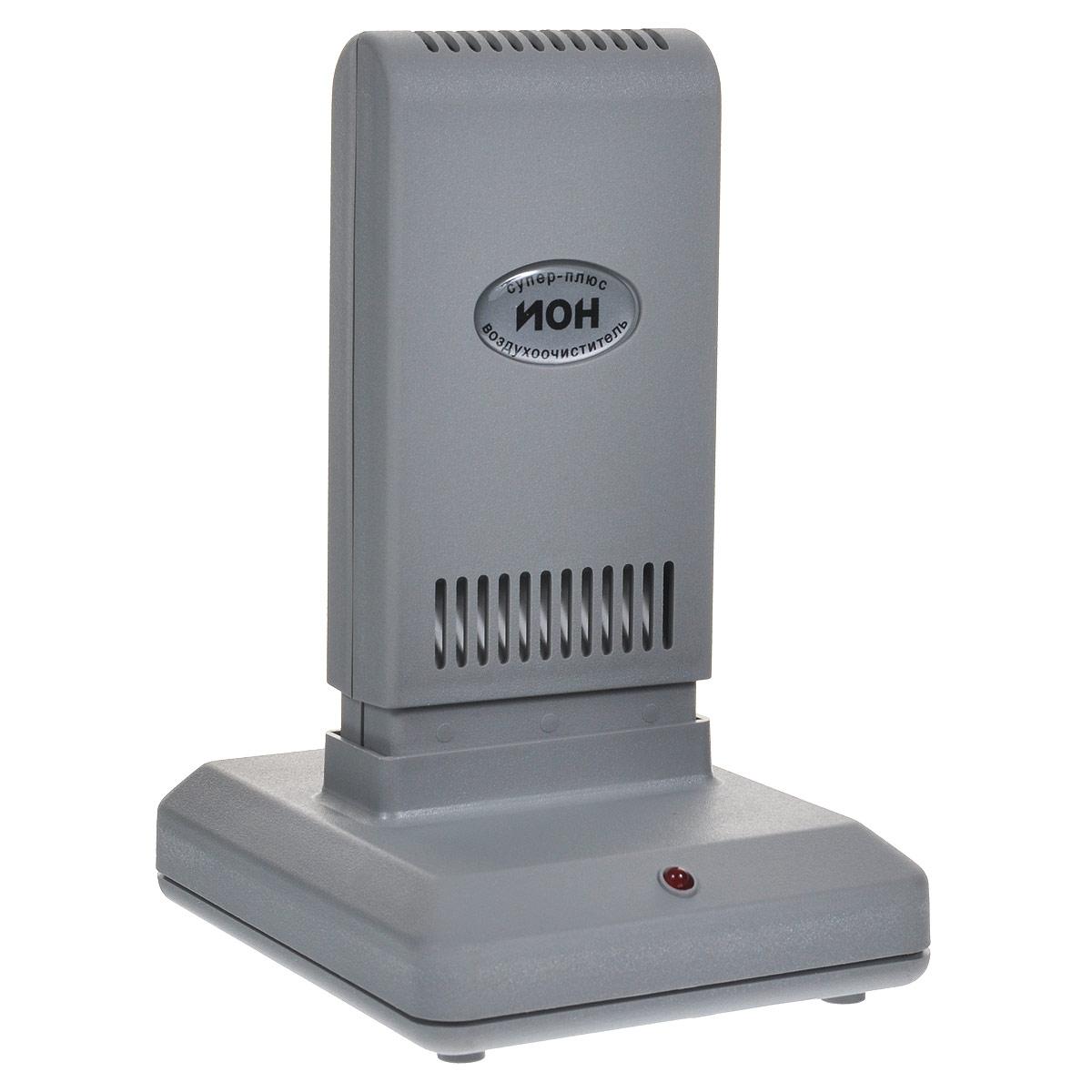 Супер Плюс Ион очиститель-ионизатор воздуха1921Работа прибора Супер Плюс Ион основана на принципе ионного ветра, который возникает в результате коронного разряда и обеспечивает движение потока воздуха через кассету прибора, при этом насыщаются ионами частицы аэрозоля (пыль, дым, микроорганизмы), загрязняющие воздух, всасываются вместе с воздухом в кассету, приобретая электрический заряд и под действием электростатического поля прилипают к осадительным пластинам, расположенным внутри кассеты. Одновременно происходит дополнительная наружная очистка воздуха. Аэрозольные, то есть взвешенные в воздухе, не прошедшие через очистную камеру частицы, взаимодействуют с отрицательными ионами и приобретают отрицательный заряд. Эти частицы притягиваются положительно заряженными поверхностями (это может быть пол, стены, экран телевизора). В результате происходит дополнительная очистка воздуха, а влажную уборку поверхностей рекомендуется проводить чаще.Размер улавливаемых частиц в пределах: 0,3-100 мкмЭффективность очистки: до 96 %Концентрация отрицательных аэроионов на расстоянии 1,5 м: до 40000 ион/см3Концентрация озона в помещении объемом 30 м3: не более 10 мкг/м3