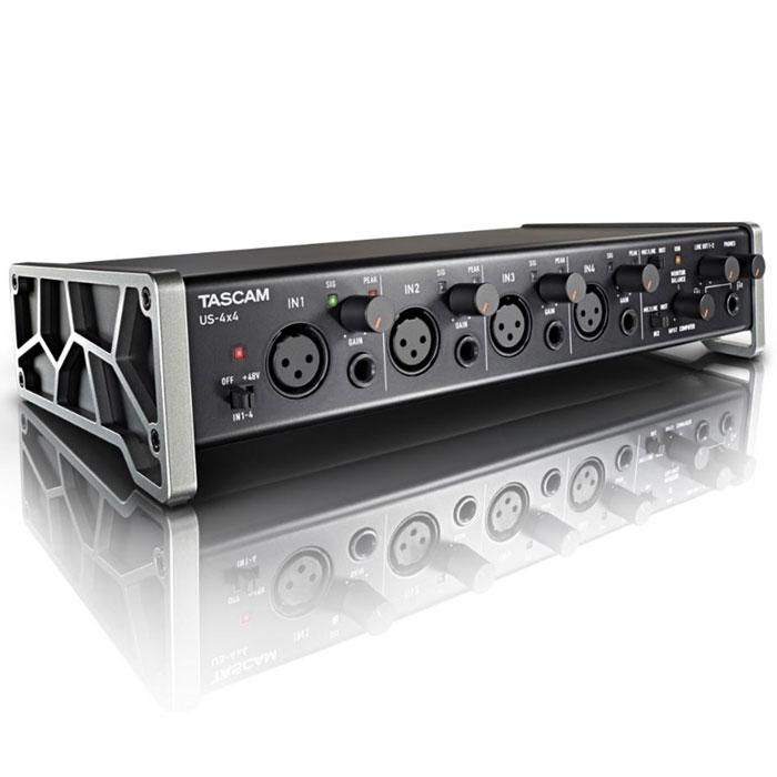 Tascam US-4x4 аудиоинтерфейсMCI52385Внешняя профессиональная звуковая карта Tascam US-4x4. Аудио/MIDI интерфейс в удобном корпусе, с четырьмя входами и четырьмя выходами для записи звука на компьютер. Оснащена переключателем подачи фантомного питания +48В на микрофонные входы. Поставляется с фирменным софтом Cakewalk SONAR X3 LE, Ableton Live Lite 9.