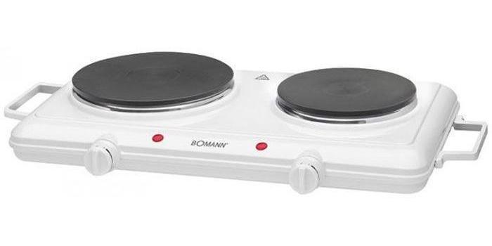 Bomann DKP 5028 CB, White электроплиткаDKP 5028 CB WhiteНадежная электроплита Bomann DKP 5028 CB с двумя конфорками идеально подойдет для дома и дачи в любое время года. Имеет эмалированное покрытие, которое позволит легко мыть и ухаживать за прибором.Электрическая плитка BOMANN DKP 5028 CB станет замечательной помощницей у вас на кухне. С ее помощью вы сможете порадовать своих близких вкуснейшими блюдами. Благодаря компактным размерам и небольшому весу она легко транспортируется.