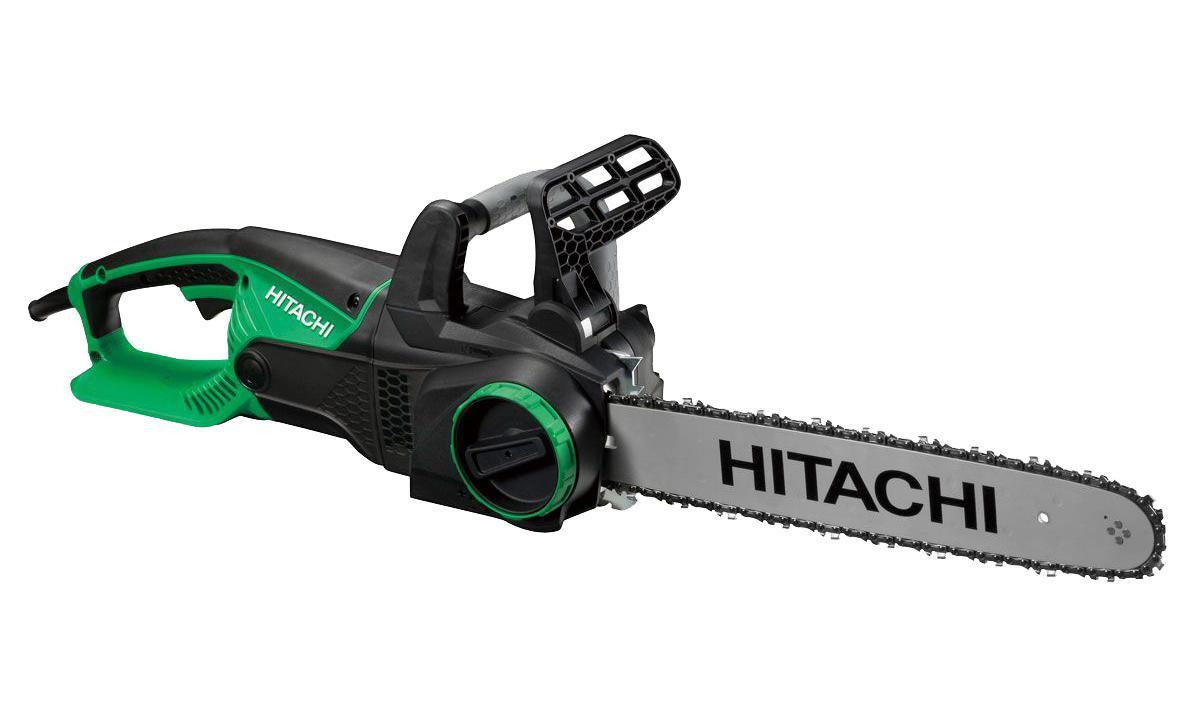 ЭлектропилаHitachi CS40YCS40Y Электрическая цепная пила Hitachi CS40Y оборудована большим рычагом переключателя с функцией Soft Start (плавный запуск двигателя). Установка и натяжение цепи выполняются без использования инструмента. Имеет мощный мотор.Особенности: Автоматическая подача смазки на цепь и механизм регулировки количества смазки цепи; Регулировка натяжения цепи с помощью удобной рукоятки на корпусе – не требует применения дополнительных инструментов; Большой рычаг переключателя с функцией Soft Start (плавный старт) и защитой от перегрузки; Передняя и задняя рукоятки с мягким покрытием; Большое «окошко» масляного картера для определения уровня масла.