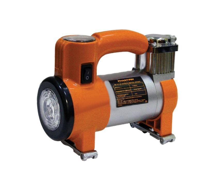 Компрессор воздушный Phantom PH2033, 150 Вт с фонарем2033Воздушный компрессор Рhantom PН2033 мощностью 120 Вт может использоваться для накачивания различного спортивного оборудования от велосипедных шин до баскетбольных мячей. Данная модель также подходит для джипов, фургонов, кемперов, ATV.Особенности:Надежный металлический поршневой механизм;Металлический теплоотводящий корпус;Мощный диодный фонарь, работающий в трех режимах;Механический манометр;Подключение в гнездо прикуривателя 12 В;В комплекте сумка для хранения и переноски. Характеристики:Размеры: 18 см х 14 см х 7,5 см. Мощность: 150 Вт. Максимальный ток потребления: 12 А. Максимальная продолжительность работы: 15 минут. Воздушный поток: 35 л/мин. Материал: пластик, резина, металл. Размер упаковки: 22 см х 18,5 см х 9,5 см. Изготовитель: Китай. Артикул: PH2033. Характеристики:Размеры: 18 см х 14 см х 7,5 см. Мощность: 150 Вт. Максимальный ток потребления: 12 А. Максимальная продолжительность работы: 15 минут. Воздушный поток: 35 л/мин. Материал: пластик, резина, металл. Размер упаковки: 22 см х 18,5 см х 9,5 см. Изготовитель: Китай. Артикул: PH2033.