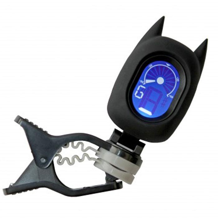 Flight BAT тюнер хроматическийBATХроматический тюнер-мультяшка Flight BAT в форме бэтмена. Крепится на гриф гитары как прищепка. Имеет LCD дисплей. Удобная цветная индикация: оранжевый - тюнер не настроен, зеленый - тюнер настроен. Управление одной кнопкой, расположенной на спинке бэтмена.