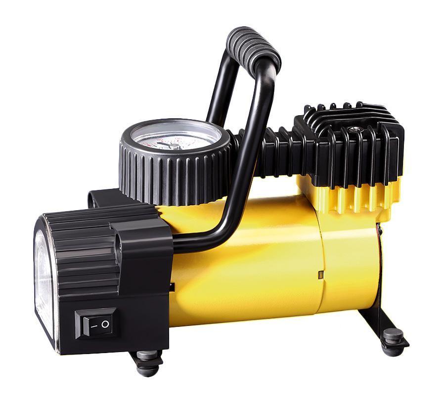 Компрессор автомобильныйКАЧОК K50 LEDK50LEDКомпрессор Качок К50 LED - является оптимальным выбором для владельцев легковых автомобилей и городских внедорожников. Модель имеет яркий светодиодный фонарик и спускной клапан-дефлятор, с помощью которого можно стравить избыточное давление в колесе. Клапан установлен на поршне компрессора и достаточно просто нажать на кнопку клапана.