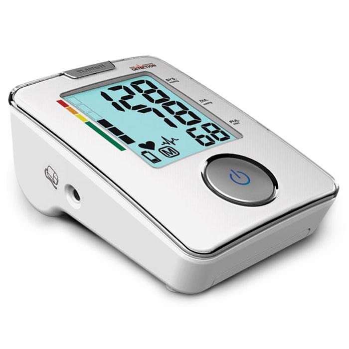 Тонометр с функцией диагностики аритмии B.Well WA-33 (M)5122018Автоматический тонометр B.Well WA-33 – это сочетание современных технологий и стильного дизайна по отличной цене. Прибор оснащен технологией Pulse Arrhythmia Detection, которая обладает высокой точностью в диагностике аритмии, определяет даже первые симптомы этого заболевания, отличает действительные признаки аритмии от схожих симптомов, вызванных, например, движениями руки во время измерения. Особенность прибора – великолепный дизайн. Прибор имеет большой дисплей при очень компактных размерах. Для того чтобы пользователь легко мог сориентироваться, является ли его давление нормальным или повышенным, тонометр WA-33 оснащен шкалой индикации уровня давления. Конструкция прибора обеспечивает дополнительную защиту дисплея и рабочей поверхности. Измерить артериальное давление таким прибором очень просто. Достаточно правильно наложить манжету и нажать всего одну кнопку. Весь процесс измерения происходит автоматически благодаря функции Fuzzy Logic, которая обеспечивает индивидуальный уровень нагнетания воздуха в манжету. Прибор оснащен памятью на последнее измерение и управляется одной кнопкой, которая имеет подсветку для удобства пользователя. Возможность подключения сетевого адаптера. В приборе WA-33 для удобства пользователя и экономичного использования батарей предусмотрена возможность подключения сетевого адаптера. В комплект сетевой адаптер не входит.
