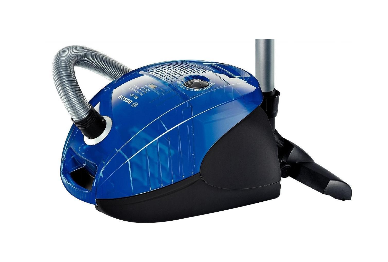 Bosch BSGL32383BSGL32383Создать идеальный пылесос, который понравится абсолютно каждому человеку и органично впишется в любой дом, невозможно. Слишком разные у нас потребности и квартиры... Но отчаиваться рано. Bosch представляет вашему вниманию несколько серий пылесосов. Пылесосы Bosch отличаются дизайном, оснащением и размерами. Но существует нечто неизменное, сопутствующее каждому из них, — безупречное качество. Пылесосы Bosch устанавливают новые стандарты гигиены с помощью безупречных систем фильтрации, достигают невиданной мощности в своей работе, дарят вам неповторимое ощущение свободы день за днем долгие годы.
